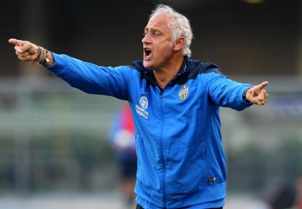 Andrea Mandorlini Masih Dipertahankan Hellas Verona