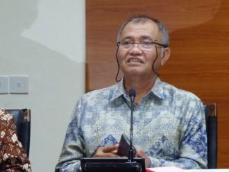 KPK Tahan Gubernur Bengkulu Ridwan Mukti