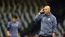 Zinedine Zidane Putuskan Tetap Bertahan